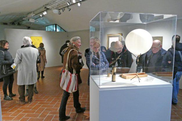 """Ultimi giorni per visitare la mostra """"Fontana e Manzoni. Tesori nascosti dalla Collezione La Gaia"""" al Castello degli Acaja di Fossano"""