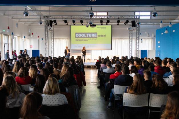 """I 200 studenti cuneesi che il 31 gennaio 2020 hanno partecipato all'evento """"Coolture today""""."""